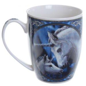 Tazze con animali e simboli magici